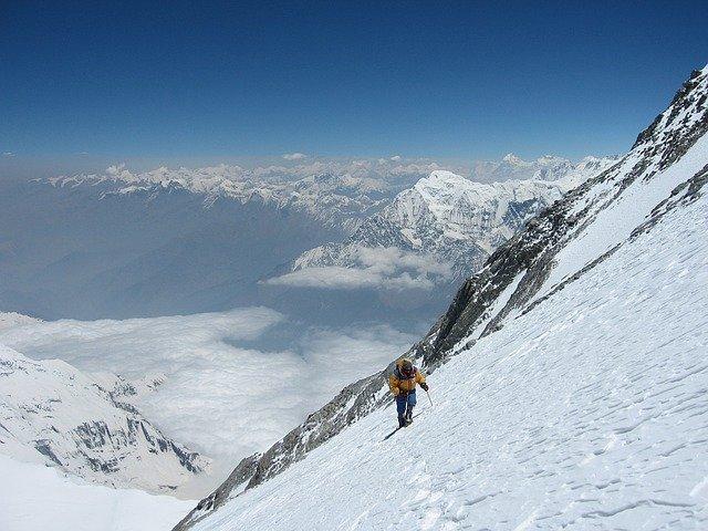 horolezec na výpravě