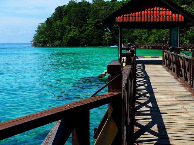 dřevěné molo v Malaysii