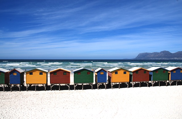 chatičky na pláži