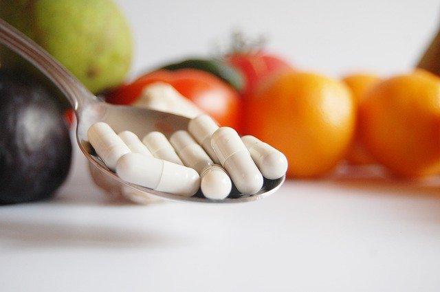 lžíce, léky, zelenina