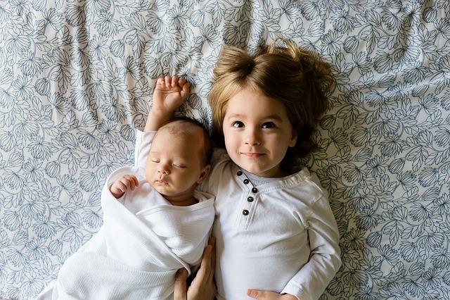 malí sourozenci
