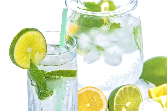 voda s citroném