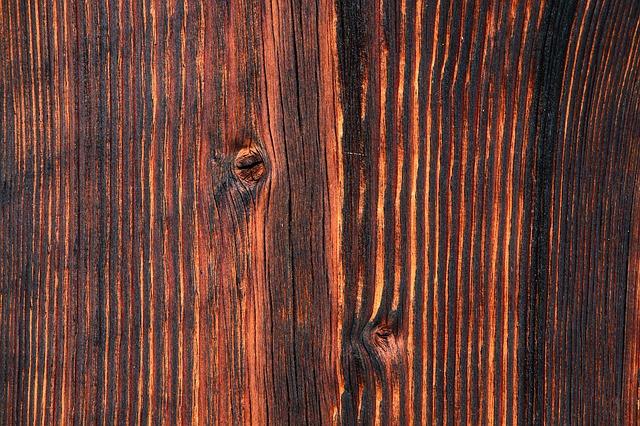 tmavé dřevo.jpg
