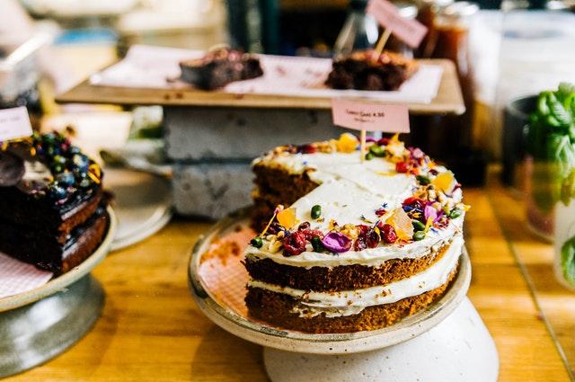 dorty v cukrárně