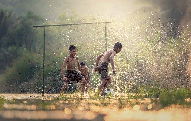 Fotbal se dá hrát kdekoliv.jpg